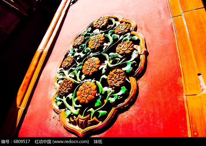 故宫门上的古建筑雕花摄影图片图片
