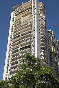 金黄色大气的高楼住宅