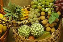 葡萄龙眼菠萝水果篮