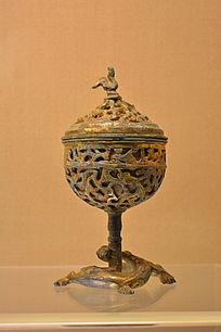 汉代鎏金蟠龙透雕铜熏炉