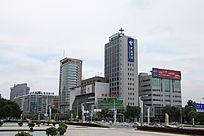 东莞鸿福路旁城市风景
