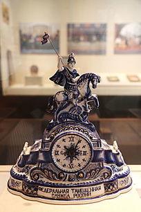 俄罗斯陶瓷骑士摆件