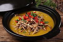 鸡汁煨红壳竹笋