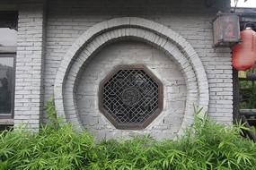 园林式古典窗户