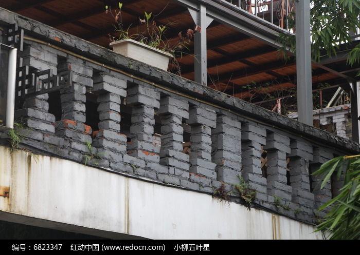 砖砌走廊护栏图片