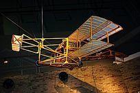 古代木制飞机模型