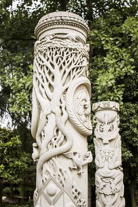 植物动物雕刻石柱