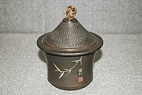 竹叶图案的茶杯