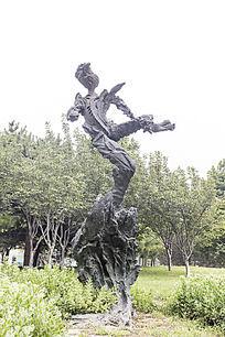 跳舞的哲学家雕塑