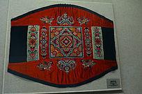 壮族绣花背带