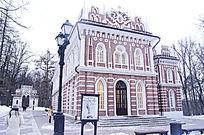 察理津诺庄园红色教堂