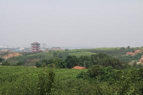 坡上的灵宝寺