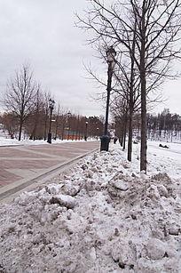 雪景郊外过道