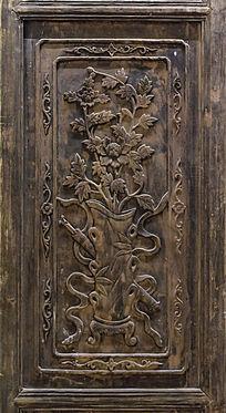 牡丹花纹门板木雕