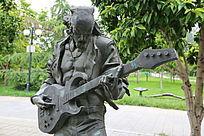摇滚吉他乐手铜雕像