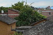 乡村的瓦房图片