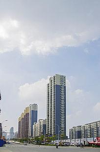 鞍山建国路边高层居民建筑群