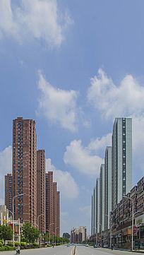 鞍山建国路两侧的住宅居民建筑群