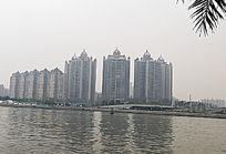 珠江对岸的楼群