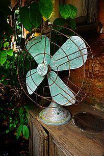 旧式电风扇