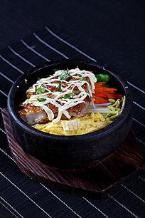鸡扒石锅饭上视图