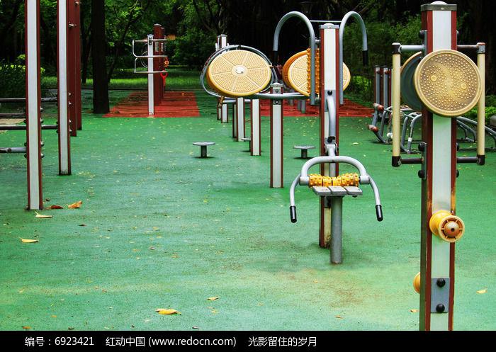 室外健身场所图片