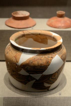 复原的陶制品