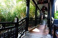 公园木建筑走廊