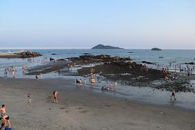 傍晚退潮的海面摄影
