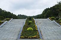 笔架山森林公园大理石石梯与花坛植被