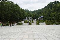 笔架山森林公园广场与山峰别墅