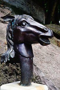 马生肖铜雕