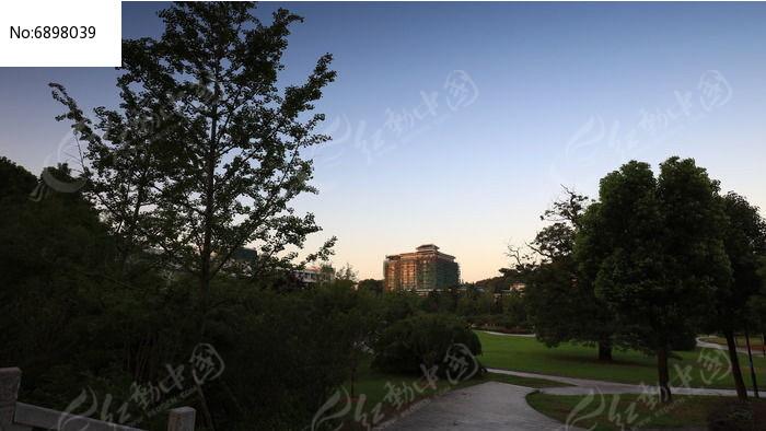 武汉大学校园内景高清图片下载 编号6898039 红动网