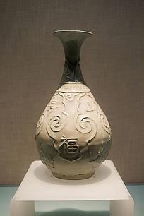 元景德镇窑青白釉串珠纹玉壶春瓶