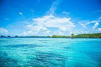 帕劳碧蓝色的海水