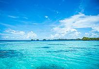 帕劳美丽的七色海