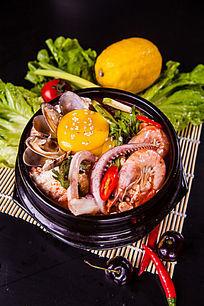 蛋黄海鲜砂锅
