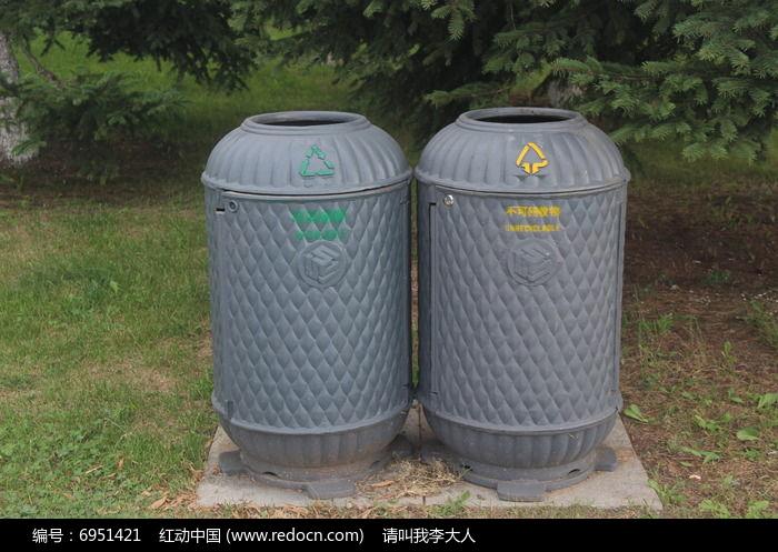 艺术雕刻垃圾桶图片