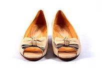 粉色女式皮鞋