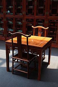古典木桌椅