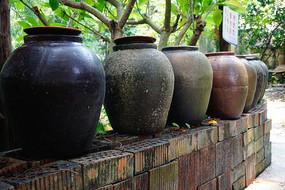 老酒陶瓷坛子