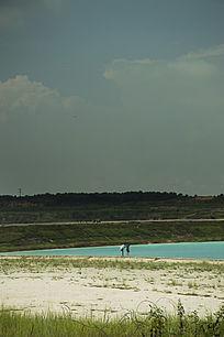 露天矿生态园区湖泊一角