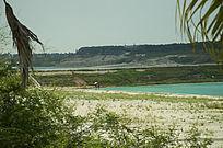 露天矿生态园区美丽的湖泊风光