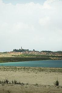 露天矿生态园区青色湖泊