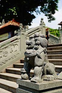 狮子石雕像