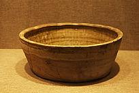 唐代青釉盆