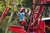儿童乐园海盗船上的海盗