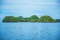 海上的青葱的岛屿