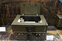十二灯五波段通讯接收机