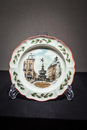 英式建筑图案瓷盘